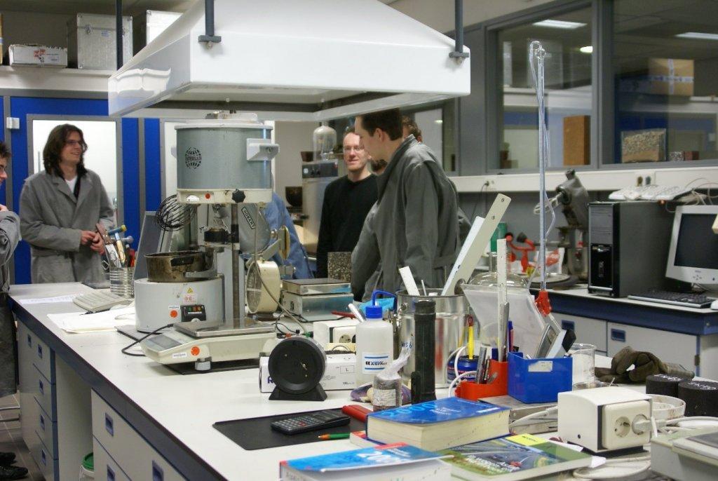Phòng thí nghiệm hiện đại tại HAN